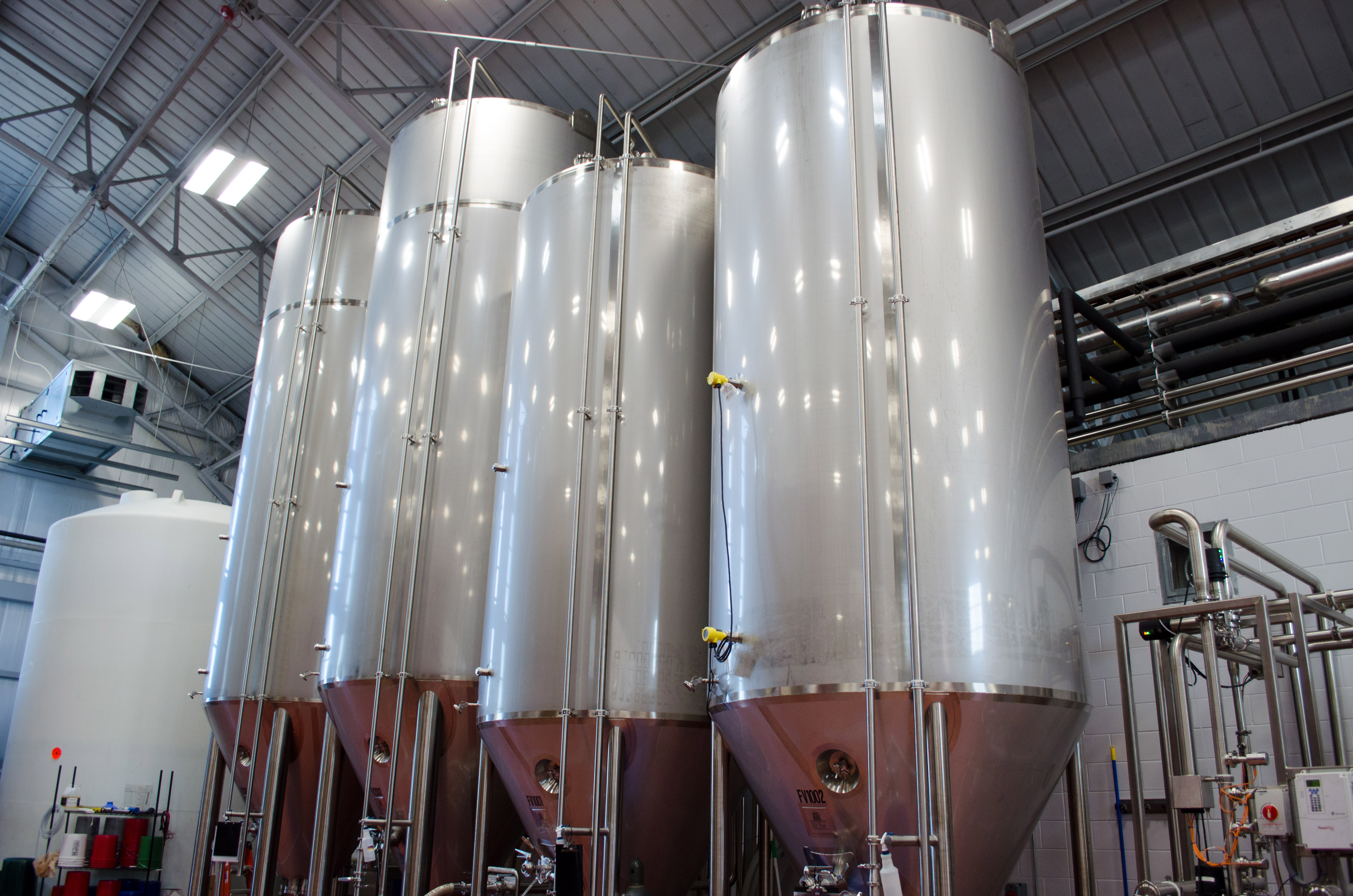 VEGA Pressure Transmitters Measure along the side of fermentation vessels