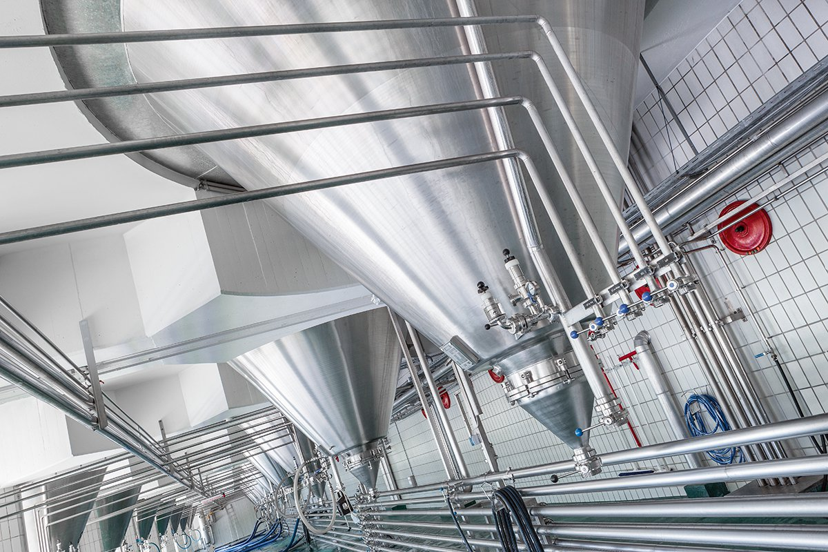 Sanitary VEGA level measurement instruments used to monitor beer brewing process