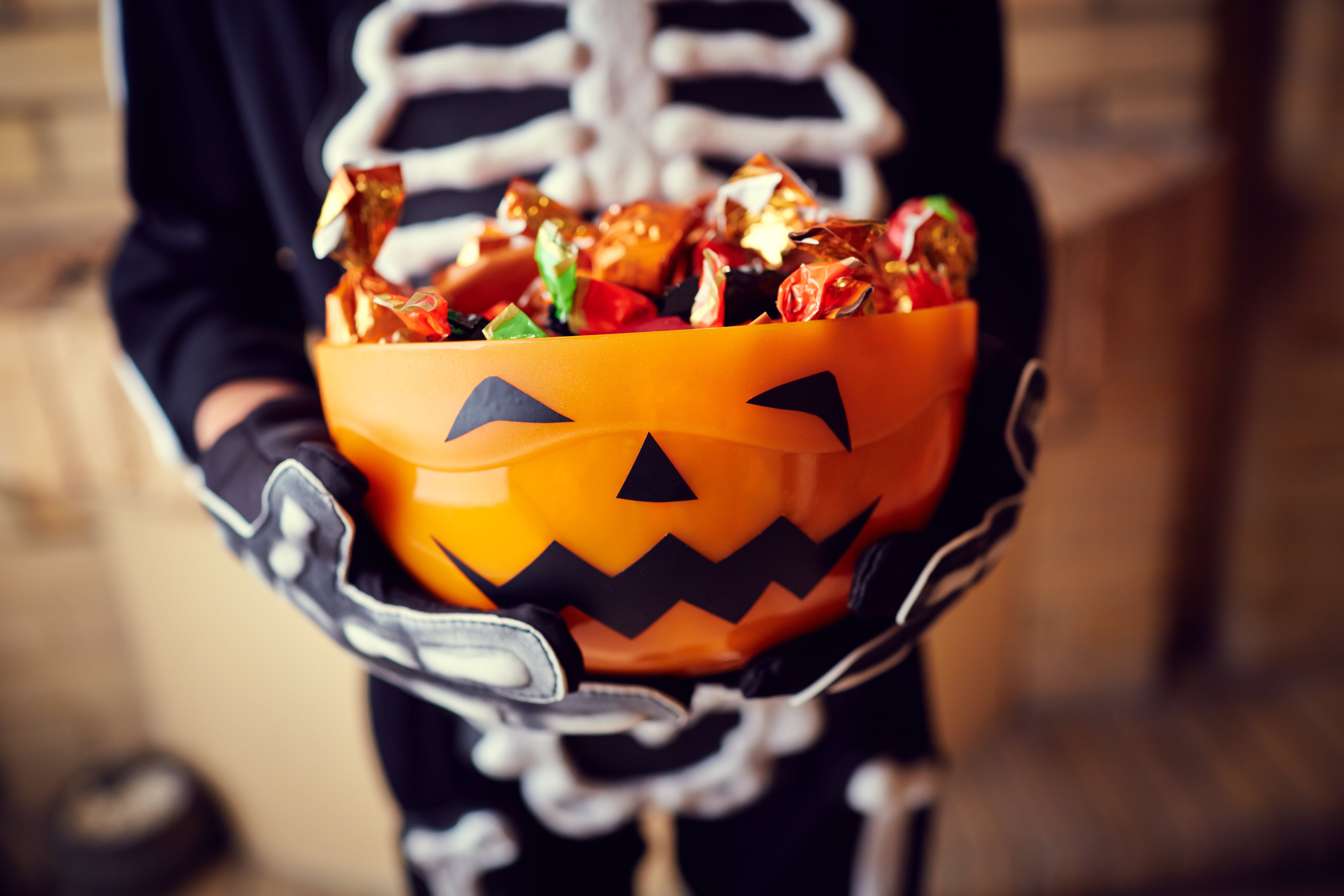 Trick-or-treat bowl